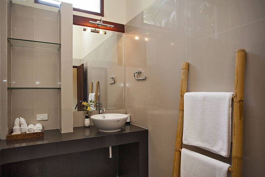Modern bathroom facilities at Cape Summitra Villa in Koh Samui