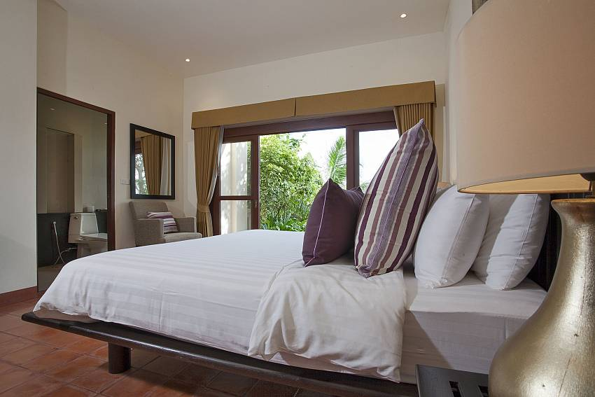 King size 3. bedroom with garden access at Cape Summitra Villa Koh Samui