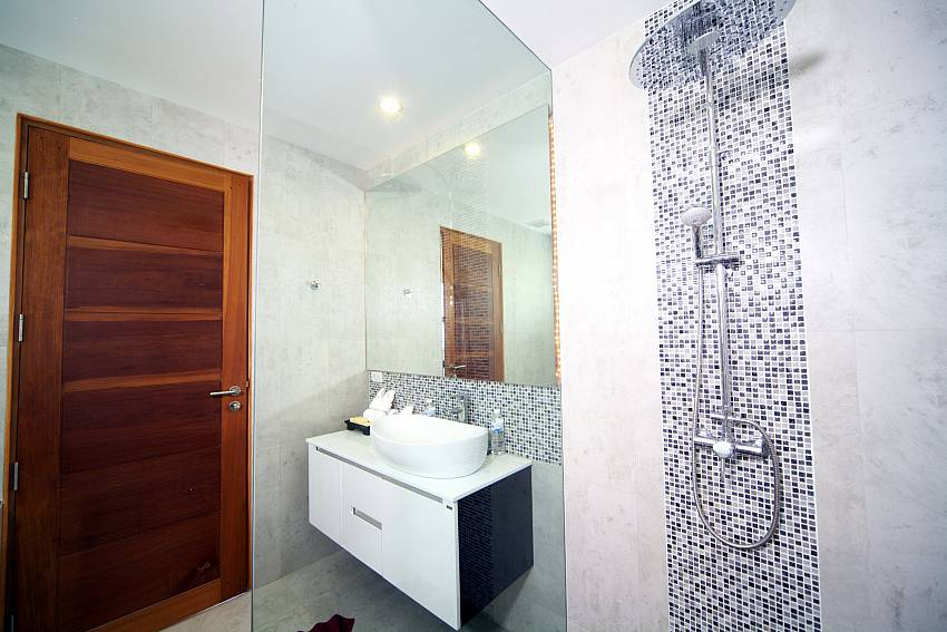 Shower with basin wash Of Summitra Villa No.3