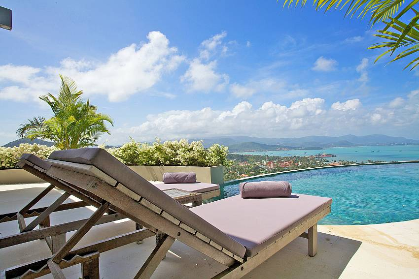 Relax by your private pool with great sea views at Summitra Panorama Villa Samui