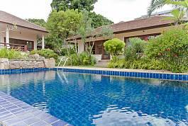 3Br Familiy Pool Villa Choeng Mon Beach, Koh Samui