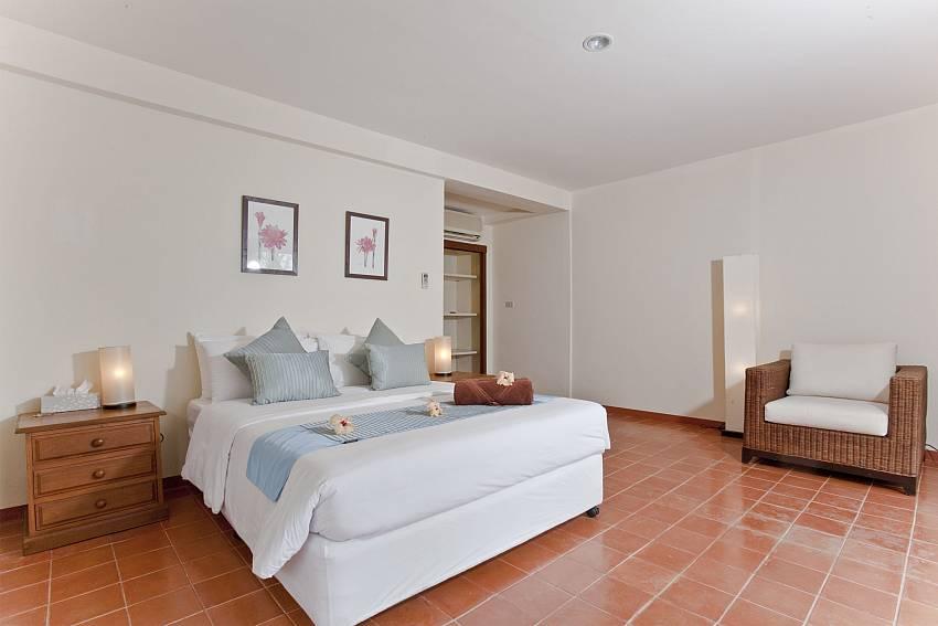 Bedroom with sofa Of Summitra Pavilion Villa No.10 (First)