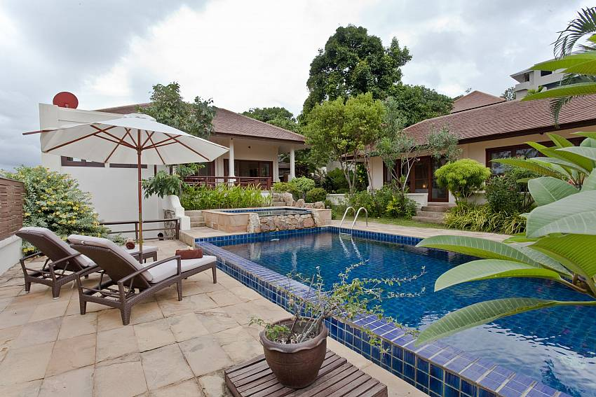 Relax in luxury by your own pool at Summitra Pavilion Villa No. 10 in Koh Samui