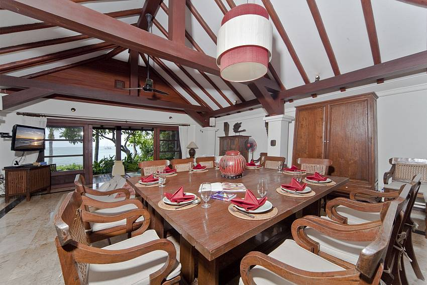 Dinning table Of Bangrak Beachfront Villa