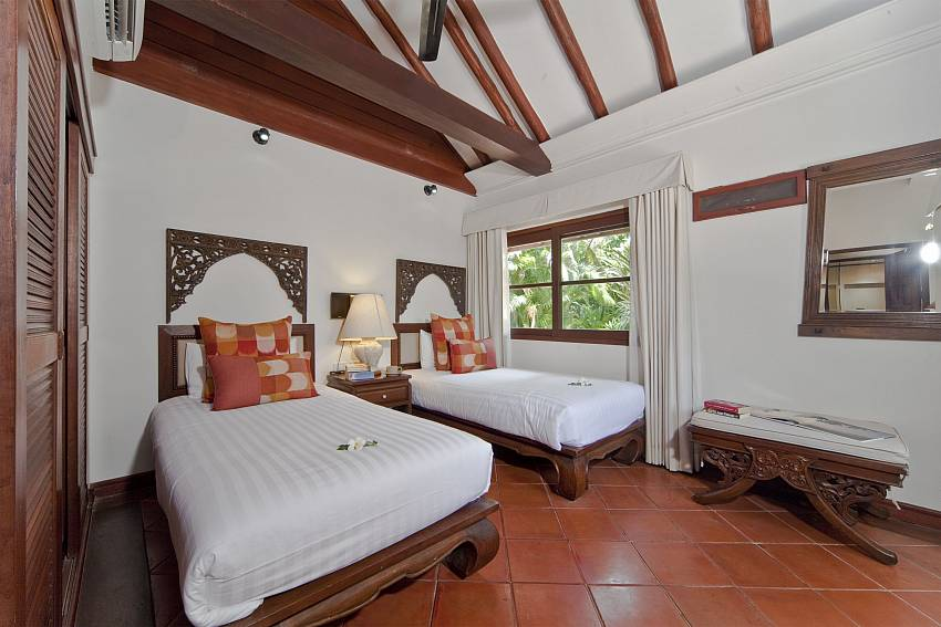 Double bedroom views Of Bangrak Beachfront Villa (Four)
