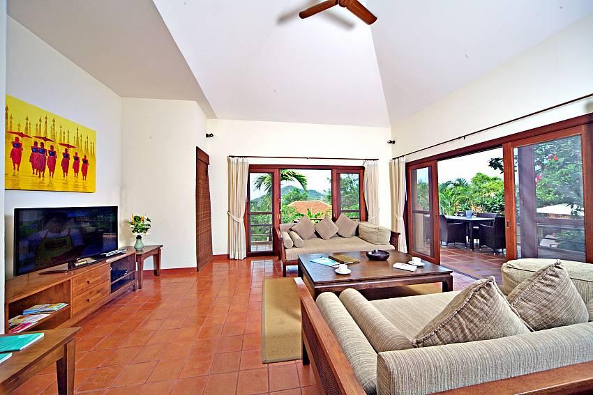 Living room with TV Of Summitra Pavilion Villa No.7