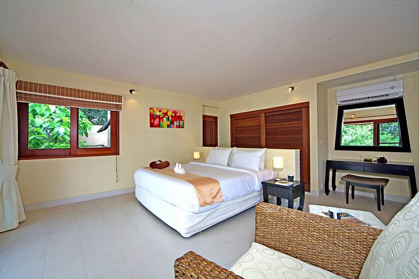 3. bedroom with king-size bed in Summitra Pavilion Villa No. 9 Koh Samui