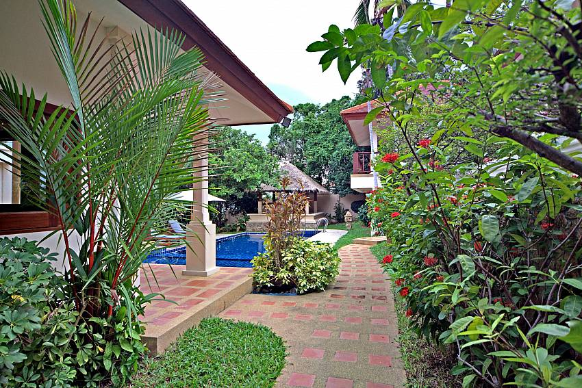 Beautiful tropical garden at Summitra Pavilion Villa No. 9 in Koh Samui