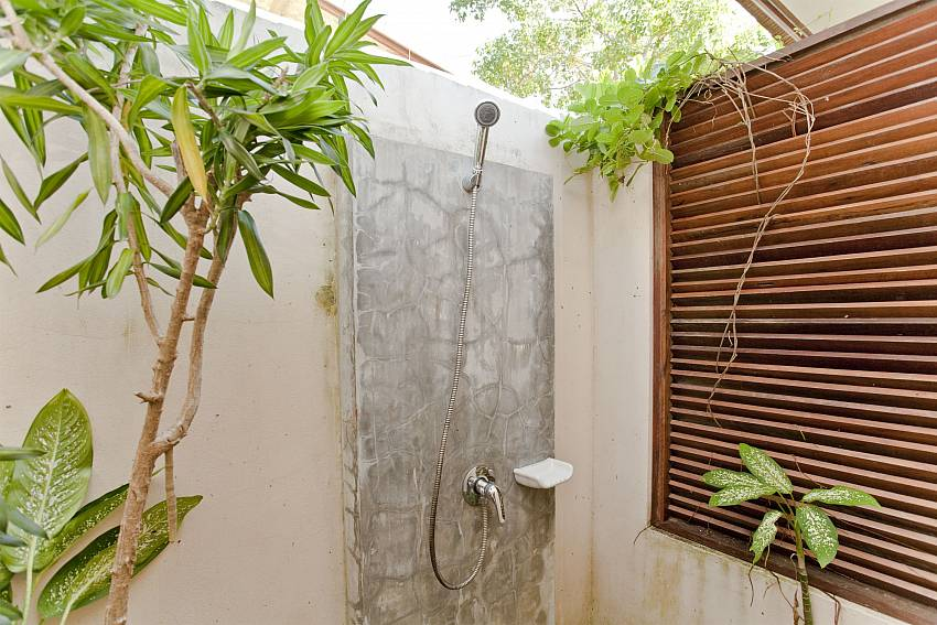 Shower outdoor Of Summitra Pavilion Villa No. 5