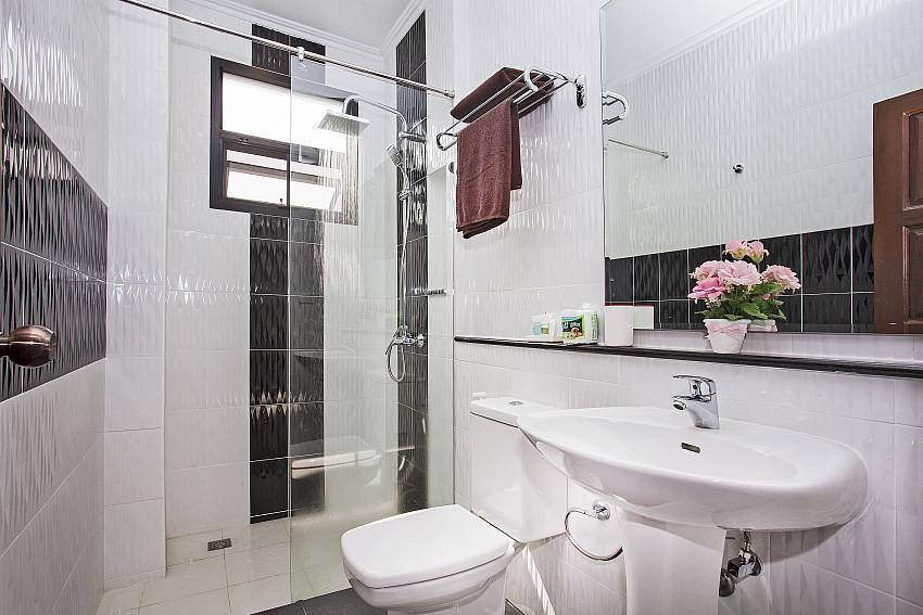 Shower with toilet and basin wash Of Debonair Grande