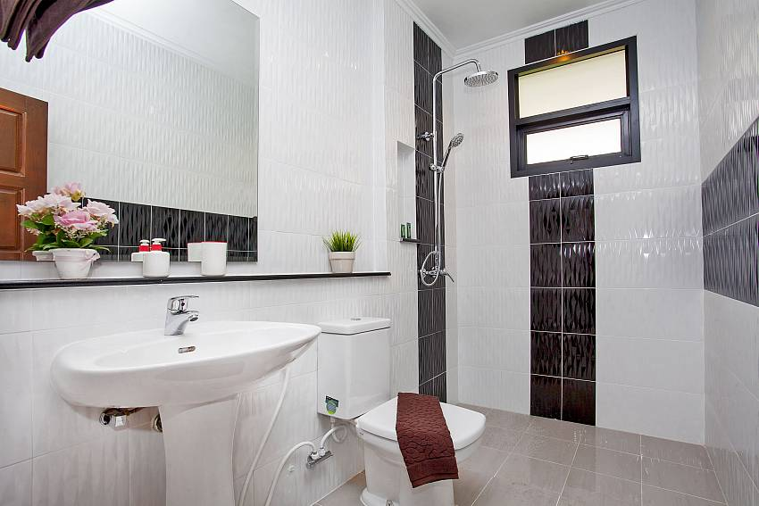 Modern bathrooms at Debonair Grande in Jomtien South Pattaya