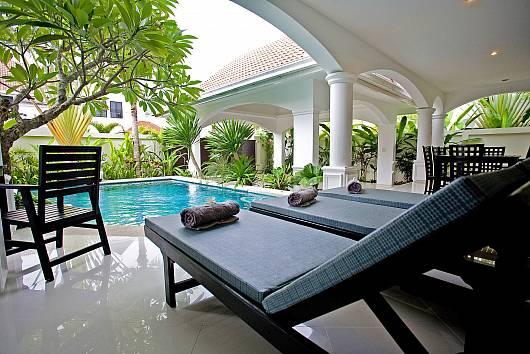 Na Jomtien Grande Pool Villa