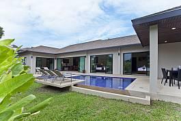 3Br Pool Villa in Private Resort Estate Nai Harn Phuket