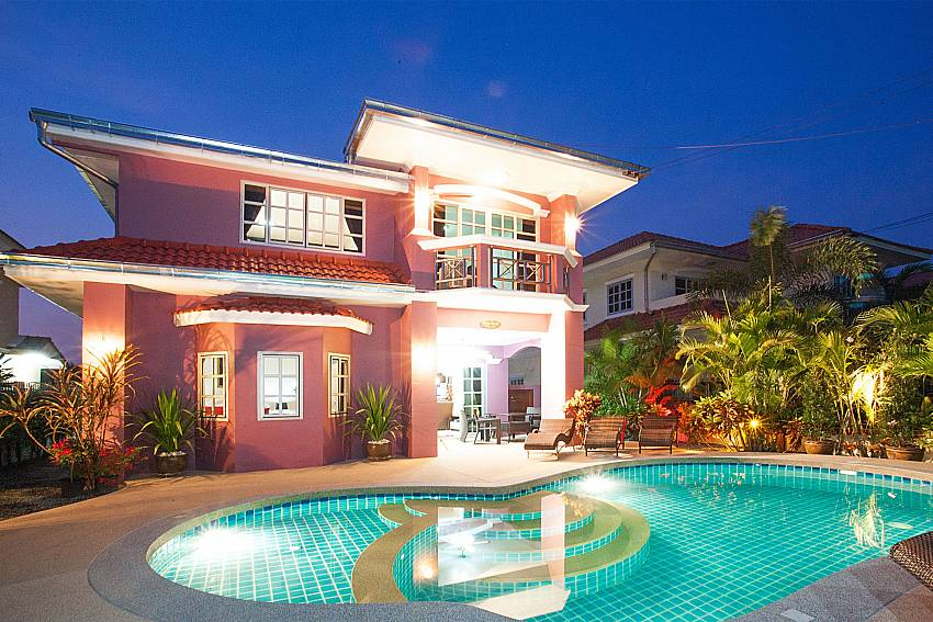 5 bedroom Baan Duan with private pool at Jomtien Pattaya