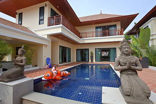 Rent Pattaya Villa: Villa Oranuch, 3 Bedrooms. 8915 baht per night
