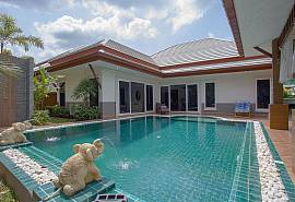 Thammachat P3 Vints No.130 | 3 Betten Pool Haus in Bangsaray Pattaya