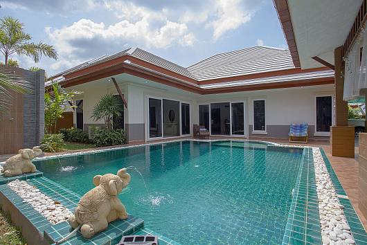 Rent Pattaya Villa: Thammachat Vints No.130, 3 Bedrooms. 6815 baht per night