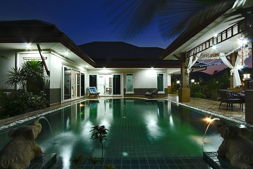 Swimming pool at night time Of Thammachat P3 Vints No.130