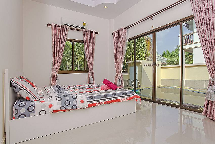 Bedroom overlooking outside Of Thammachat P1 Alese (First)