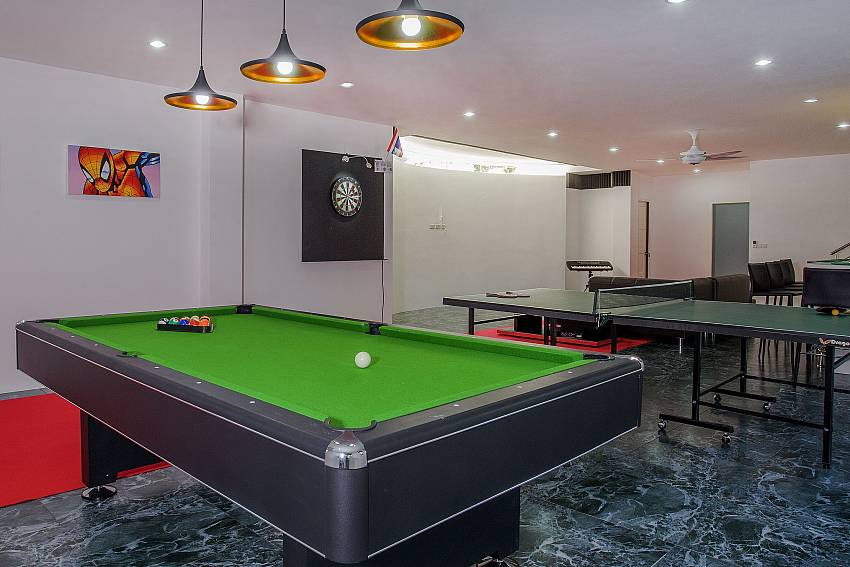 Pool table with table tennis in the house Of Big Buddha Hill Villa