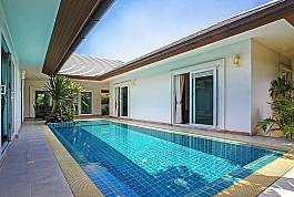 Stunning 3Br Pool Villa on Beachside Resort in Banglamung, North Pattaya