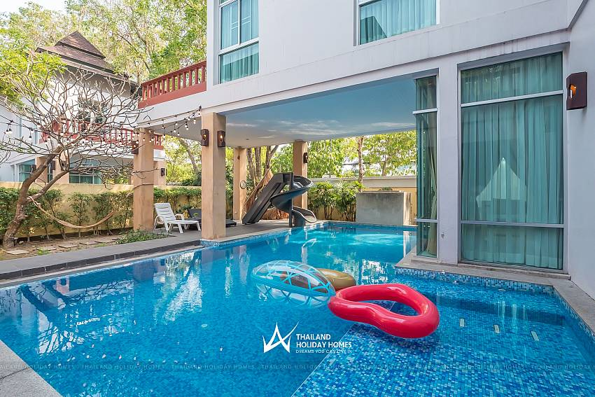 Secluded Private pool_jomtien-waree_8-bedroom-villa_private-pool_jomtien_thailand