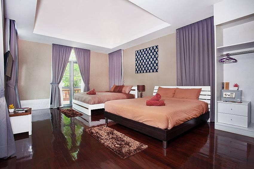 Bedroom 2_jomtien-waree_8-bedroom-villa_private-pool_jomtien_thailand
