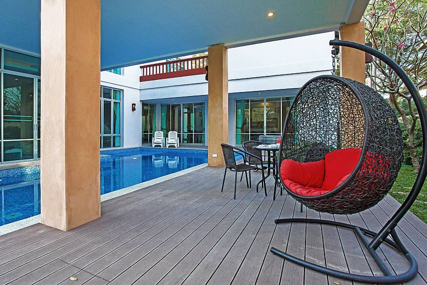 Lounging by the pool_jomtien-waree_8-bedroom-villa_private-pool_jomtien_thailand