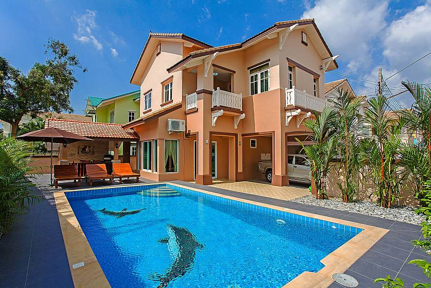 Bunk House with swimming pool Of Jomtien Summertime Villa B