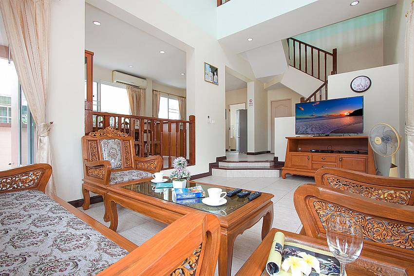 Living room with TV Jomtien Summertime Villa B on Jomtien