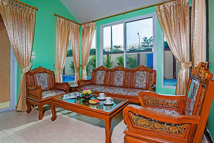 Comfortable sitting at the lounge in Jomtien Summertime Villa B Pattaya