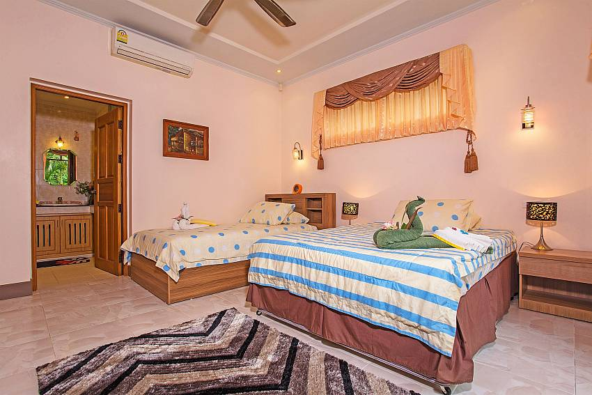 Double bedroom Of Relaxing Palms Pool Villa (Third)