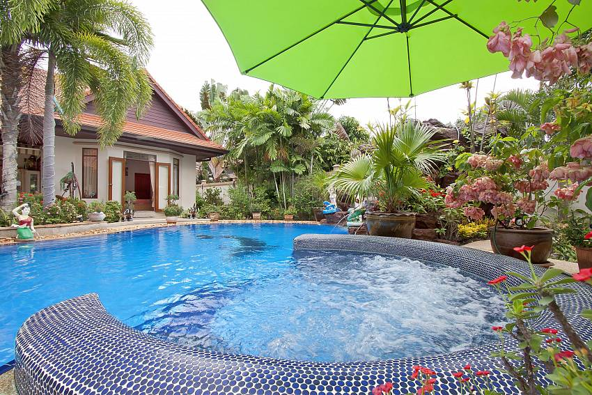 Swimming pool Relaxing Palms Pool Vill near Banglamung Pattaya