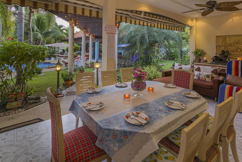 Relaxing Palms Pool Villa | 4 Bed Pool Villa near Banglamung Pattaya