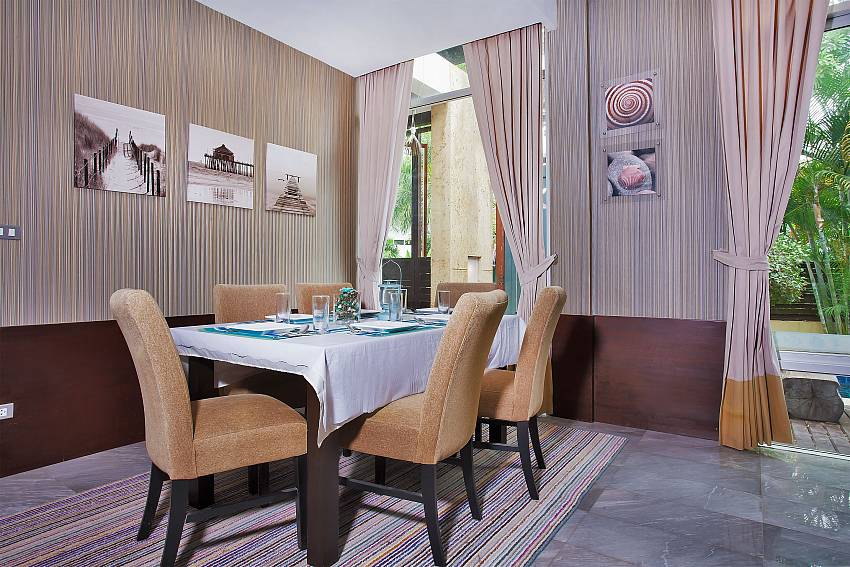 Dinning table in the house Of Jomtien Waree 2