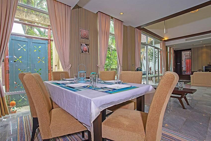 Open plan plan dining and living in  Jomtien Waree 2 Pattaya