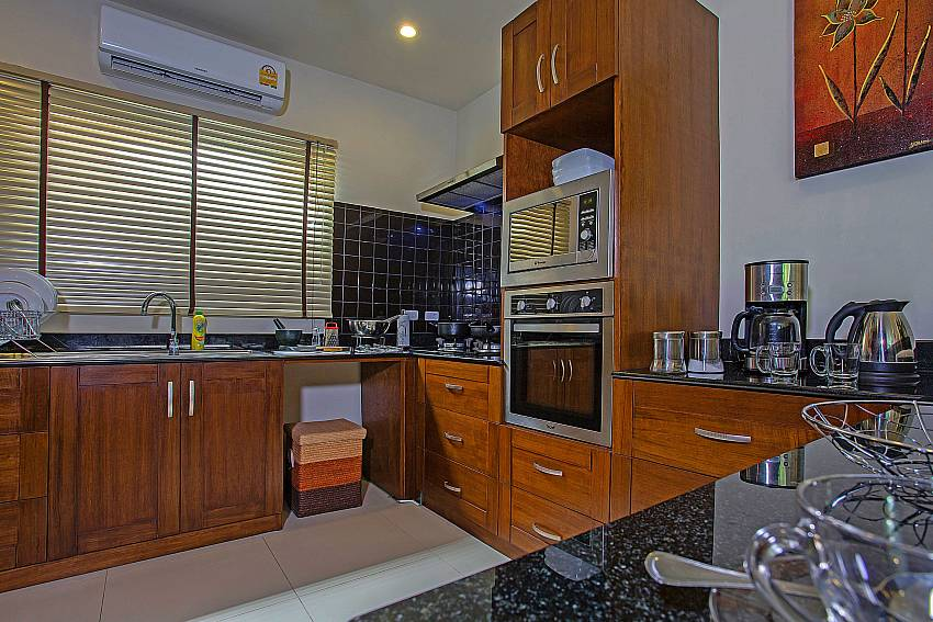 Kitchen room Of Rawayana Pool Villa
