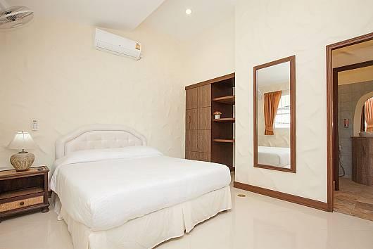 Аренда виллы в Паттайе: Noi Mueang Far Villa with 4-bedroom, 4 Спальни. 12612 бат в день