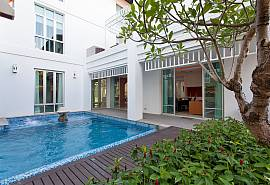 Jomtien Waree 9 | 6 Bed Pool Villa in Na Jomtien South Pattaya