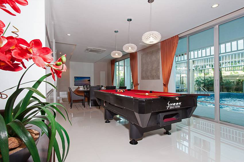 Pool table of Jomtien Waree 9