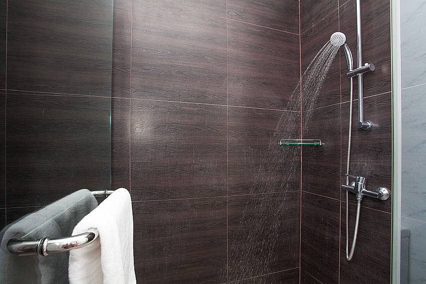 Shower at the Jomtien LAmore Villa in South Pattaya