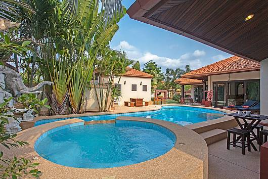Rent Pattaya Villa: Tranquillo Pool Villa, 3 Bedrooms. 10602 baht per night