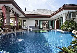 Thammachat P2 Laima | Pool Villa mit 3 Betten in Huay Yai Pattaya