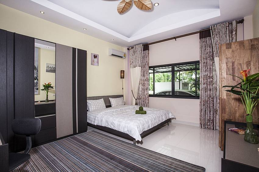 Large bedroom views with wardrobe Of Thammachat P2 Laima Pool (Second)