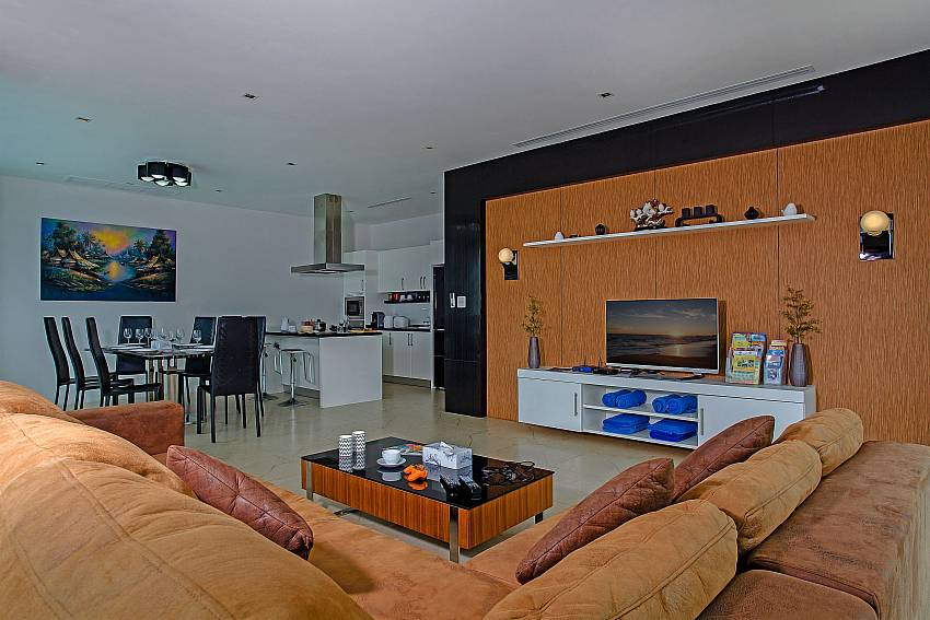 Living room with TV and shelves of Kata Horizon Villa A1