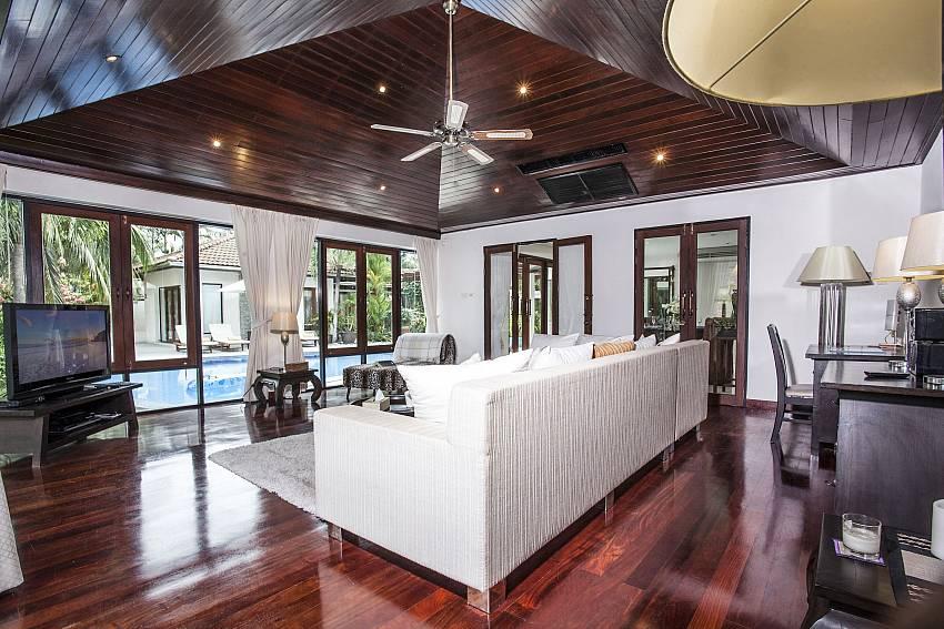 Living room near the pool Of Villa Kanya
