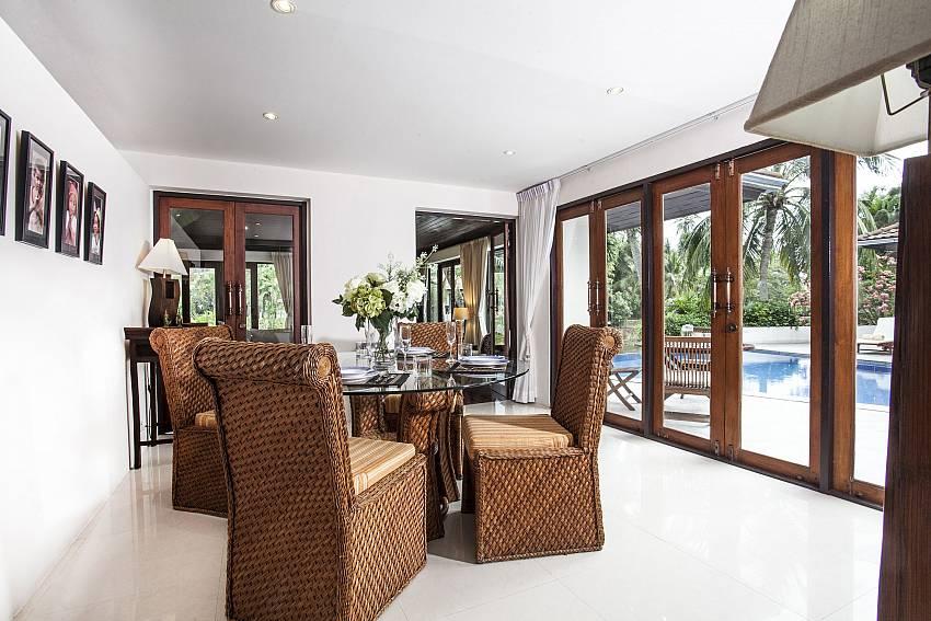 Dinning table see view Of Villa Kanya