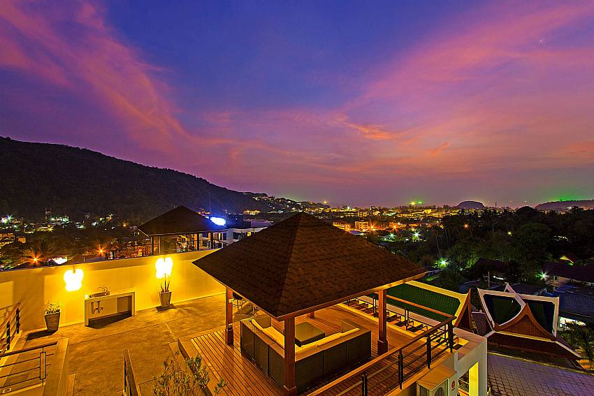 Atmosphere at night time of Kata Horizon Villa A2