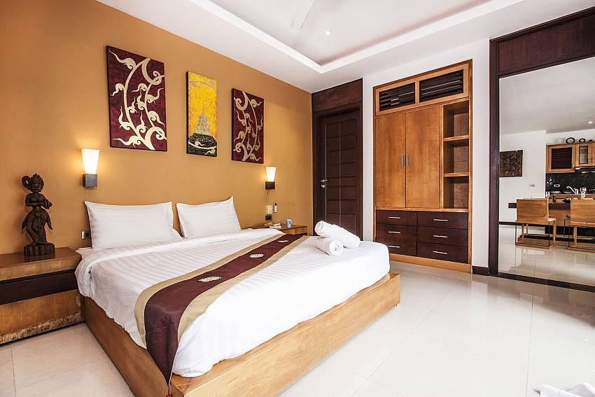 Bedroom with wardrobe of Villa Lipalia 104