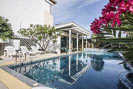 Villa 5 chambres à 200 mètres de Jotmien Beach, Pattaya sud